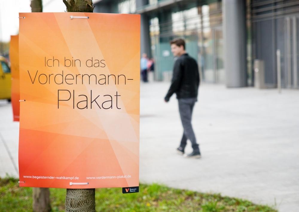 Vordermann-Plakate - schneller aufhängen geht nicht